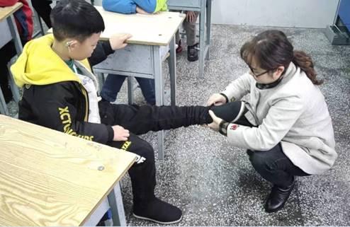 """爱在寒冬 都邦保险开展""""扶贫送温暖""""活动"""